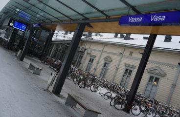 Vaasan rautatieasema - Vasa tågstation