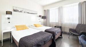 GreenStar Vaasa huone kaksi sänkyä
