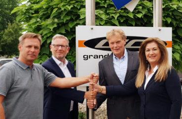 Duells vd Jarkko Ämmälä och Export manager Erwin Van Hoof, IGM Trading BV:s och Grand Canyon GmbH:s förra ägare Arno och Ingrid Gaalman-Wegehorst