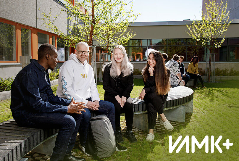 VAMK+ opiskelijoita